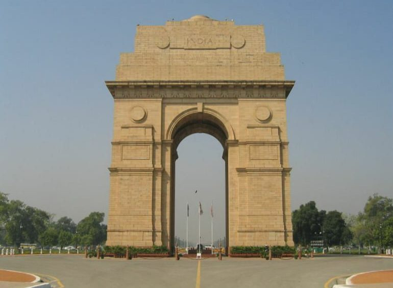 Source : https://commons.wikimedia.org/wiki/File:India_gate.jpg#/media/File:India_gate.jpg