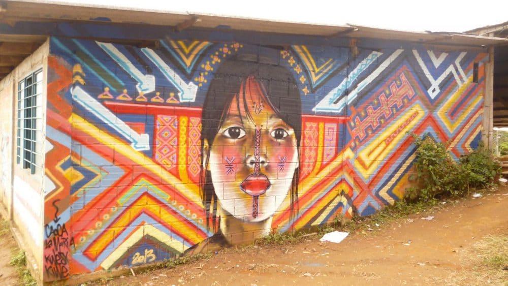 Photo d'un mural très coloré