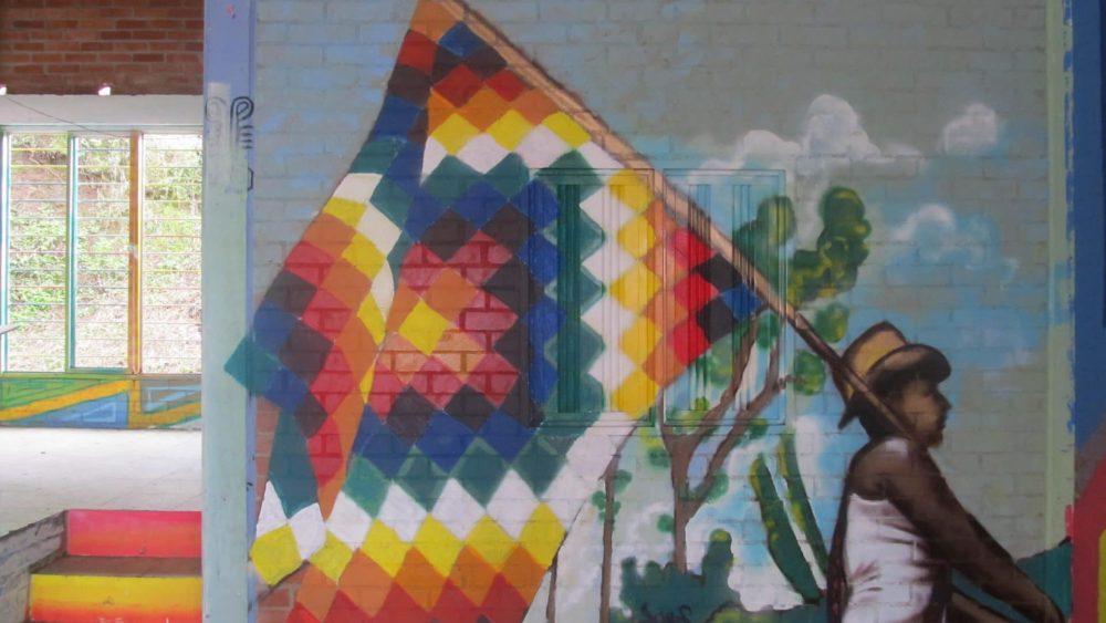 Fresque d'un drapeau Wipala
